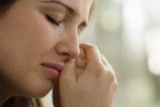 كيف تتعامل الزوجة مع صدمة وفاة شريك حياتها؟