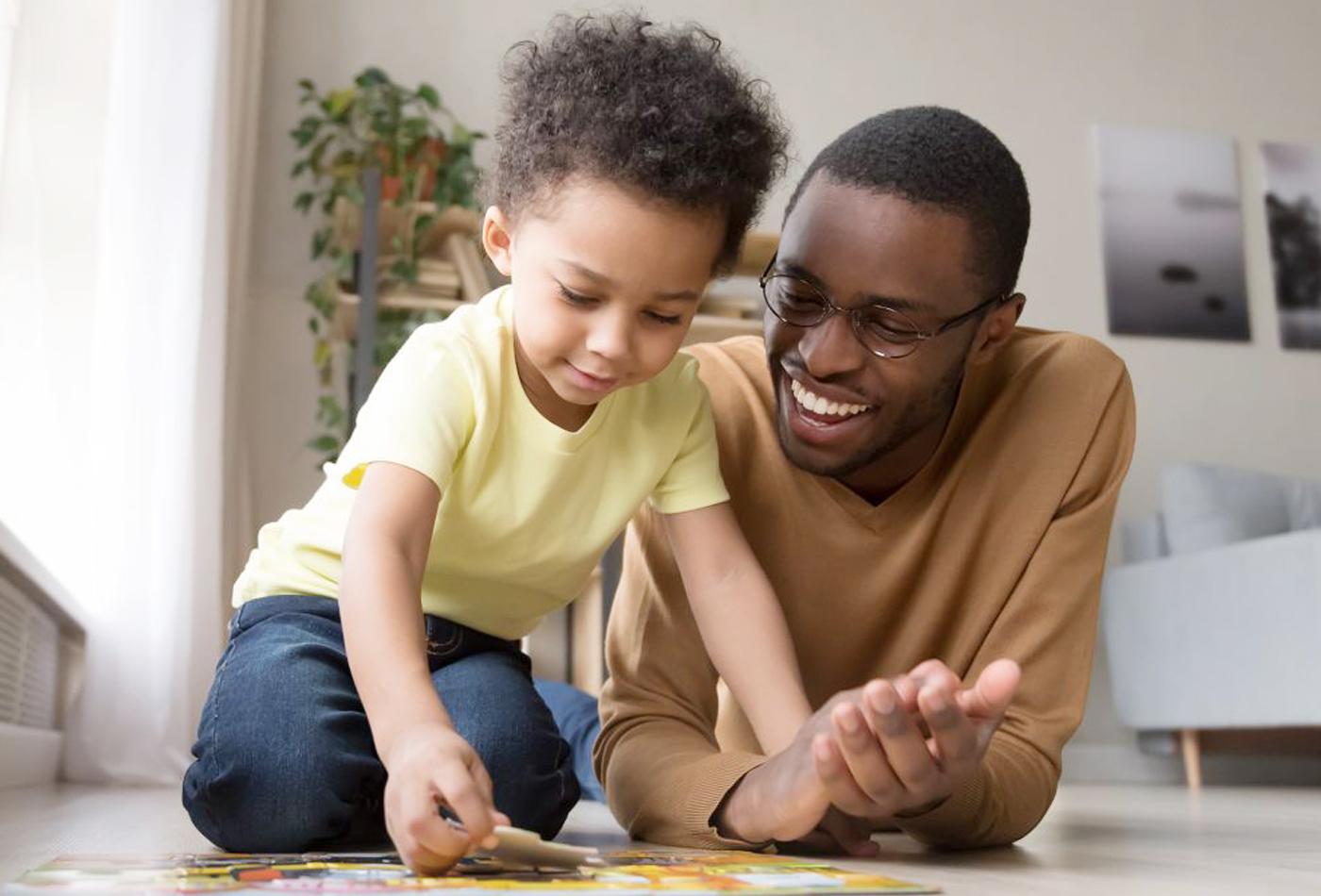 لنعلّم أطفالنا حلاوة التفكير معنا في المنزل